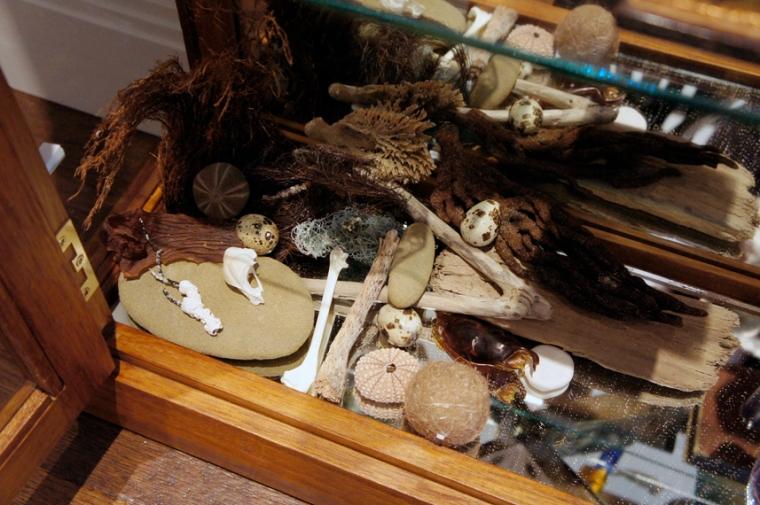Cabinet inside 2