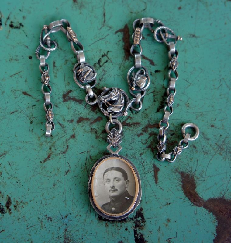 Horse chain