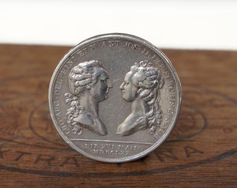 marie antoinette medal 1