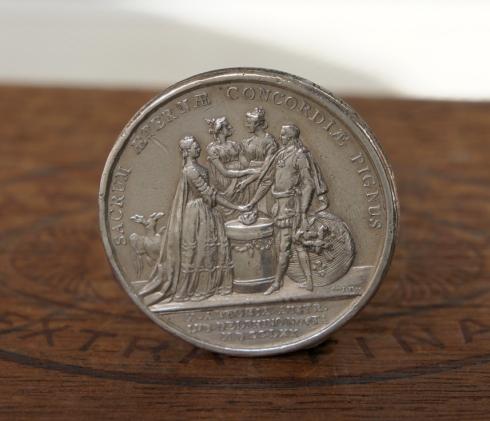 marie antoinette medal 2
