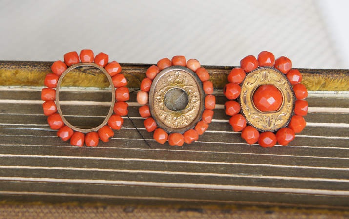Coral buckles