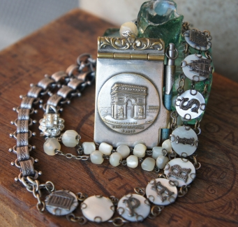 Necklace with Paris souvenir bracelet and Paris souvenir carnet de bal