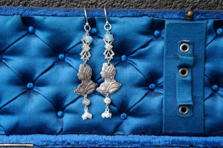 Earrings with silver Marie Antoinette medallions
