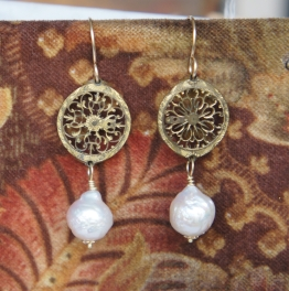 Earrings with pearls and 18th century watch coqs