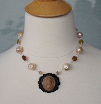 Lava cameo and pearls necklace